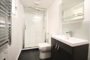 urządzenie małej łazienki